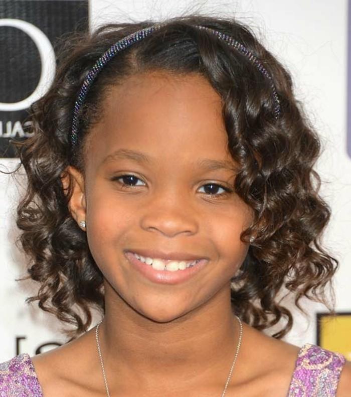 coiffure-petite-fille-afro-excellente-suggestion-coiffure-cheveux-crepus