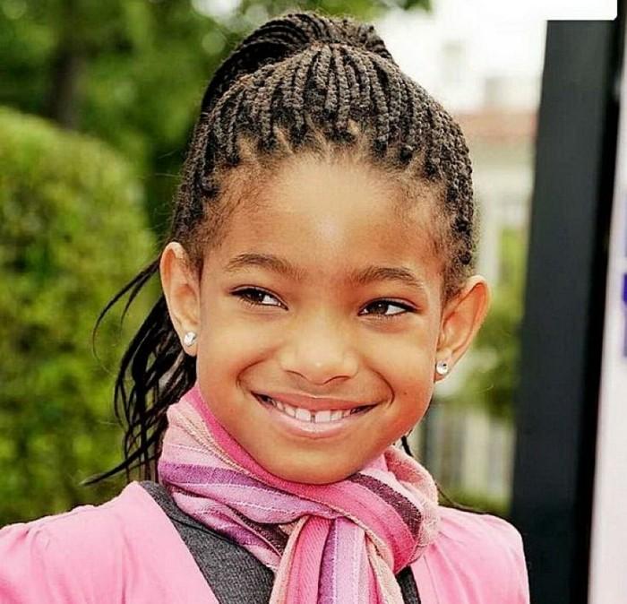 coiffure-tresse-africaine-multiples-tresses-suggestion-très-classique-pour-une-fille-afro