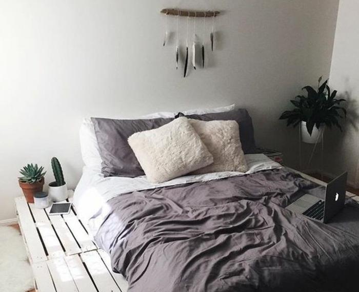 comment-fabriquer-un-lit-en-palette-idee-magnifique-ambiance-accueillante
