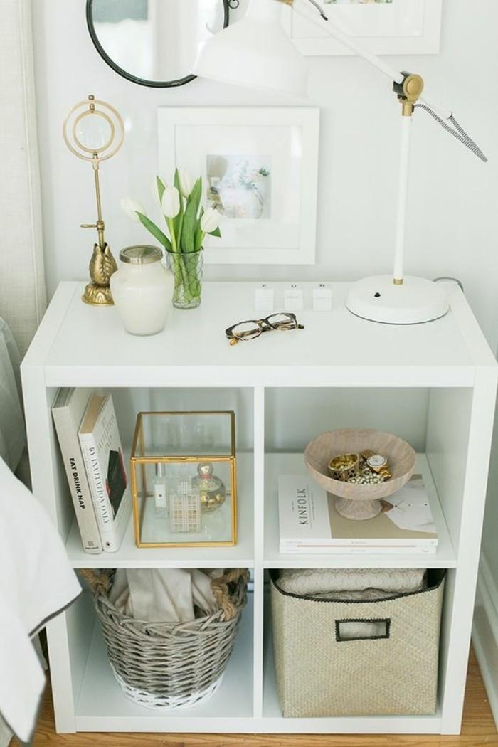 console-extensible-pas-cher-en-bois-blanc-sol-en-bois-clair-meuble-entree