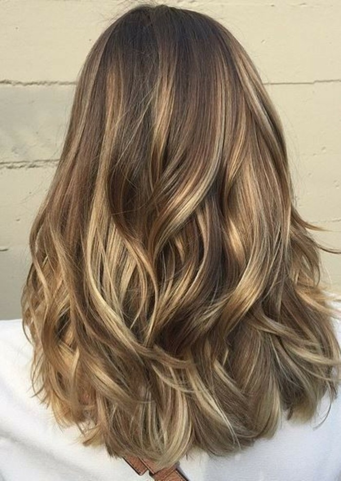 couleur-balayage-pour-brune-cool-idees-a-faire-superbe