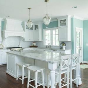 1001 idees pour une chambre bleu canard petrole et paon for Choix des couleurs de peinture 15 osez une deco couleur bleu canard dans votre interieur