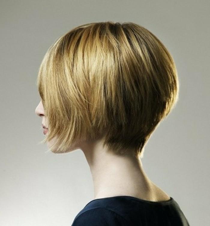 coupe-courte-degradee-coiffure-courte-femme-blonde-les-tendances-pour-2017