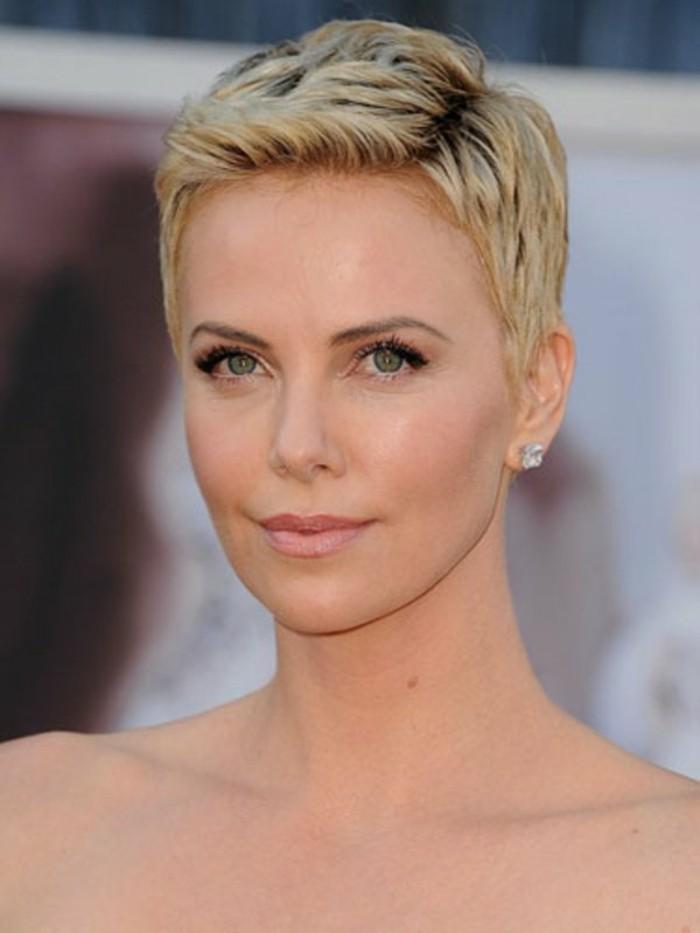 coupe-courte-femme-blonde-les-coiffures-courtes-des-stars-d-hollywood