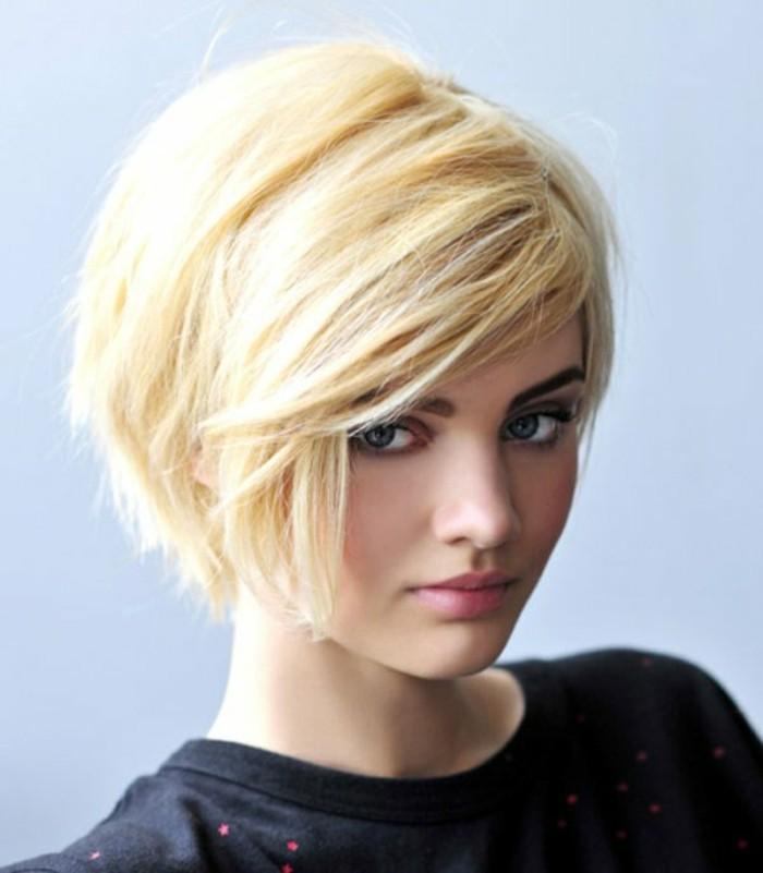 coupe-de-cheveux-courte-carre-destructure-blond-pour-les-filles-modernes