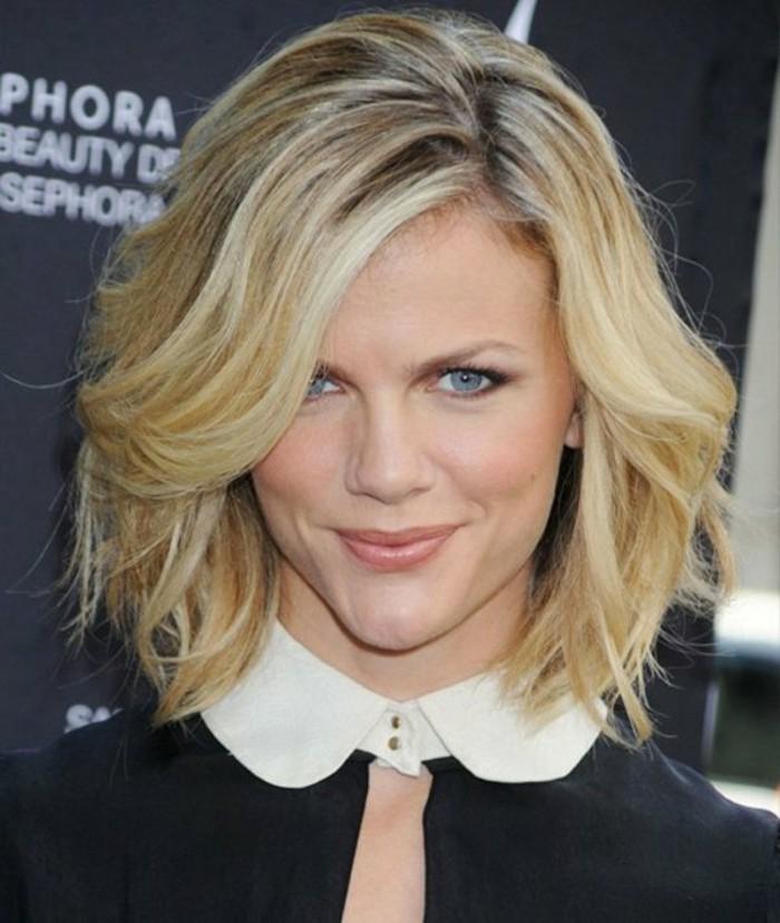 coupe-de-cheveux-courte-femme-blonde-coiffure-courte-des-stars-d-hollywood