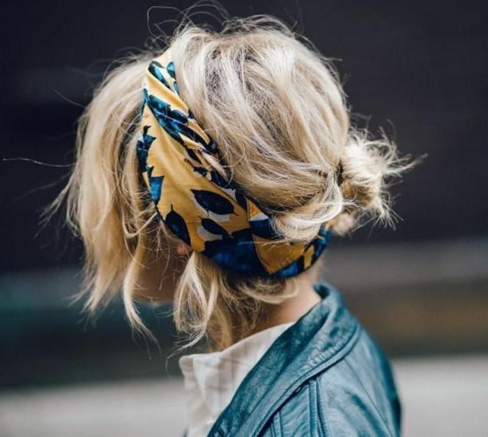 coupe-de-cheveux-courte-femme-blonde-veste-en-cuir-femme-blonde