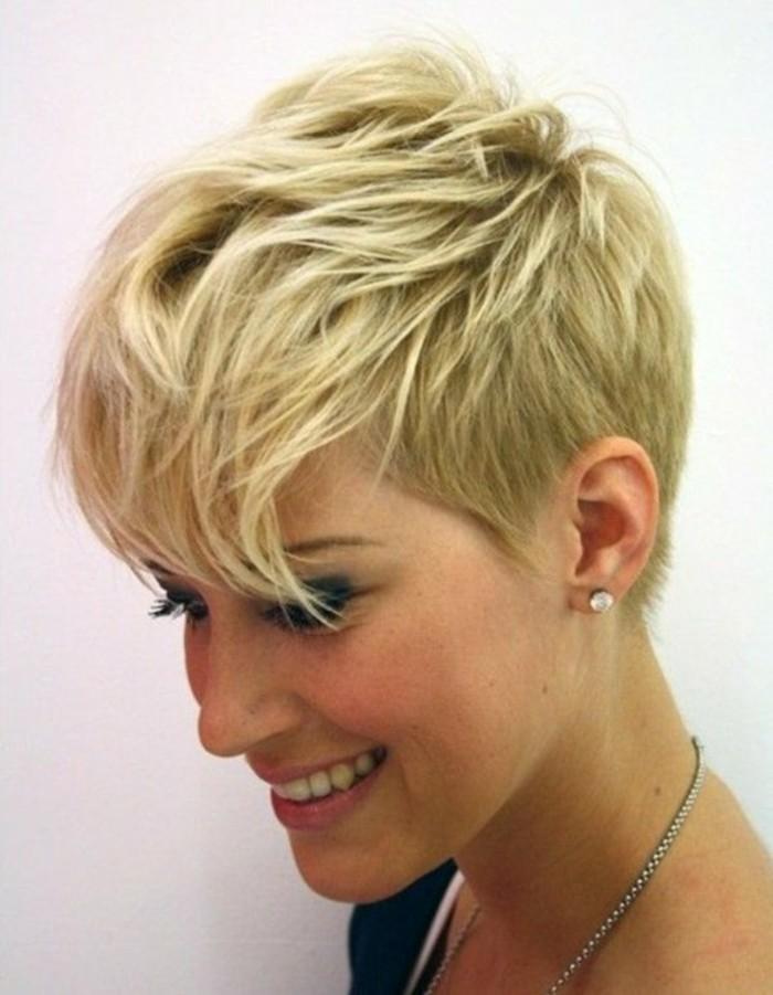 114 magnifiques photos de coiffure courte for Photo de coupe de cheveux court femme