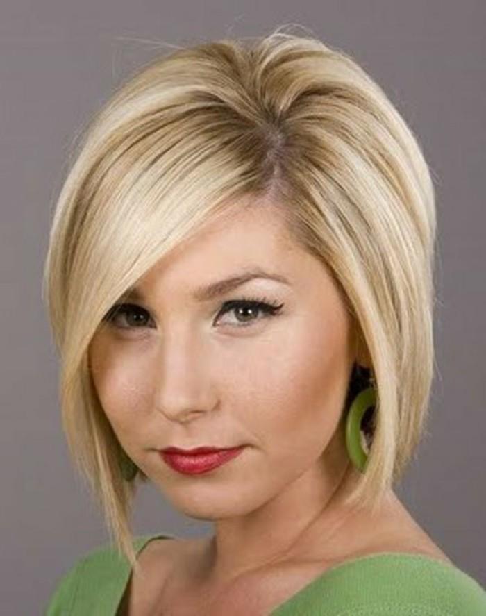 coupe-de-cheveux-femme-court-blonde-femme-50ans-idees-pour-coiffure