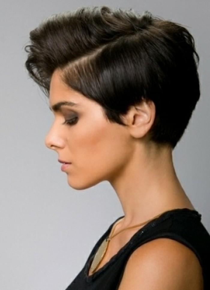coupe-de-cheveux-femme-court-coupe-courte-femme-cheveux-chatin