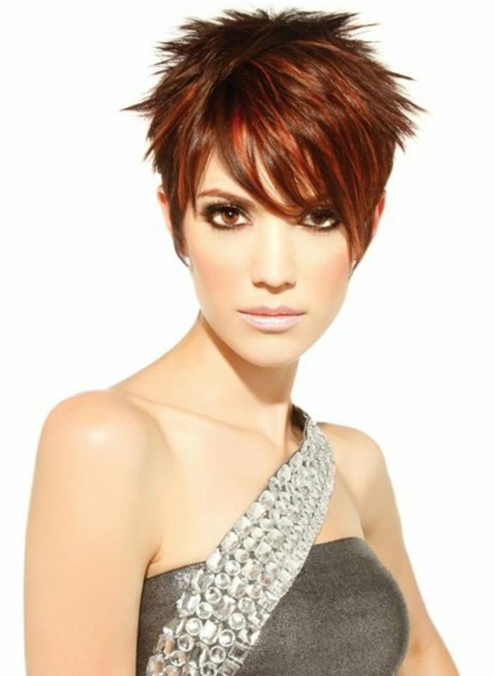 coupe-de-cheveux-femme-court-rouge-les-tendances-chez-les-coupe-de-cheveux