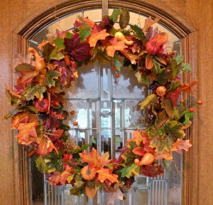 bricolage dautomne pour la porte d entree en bois et verre, couronne ...