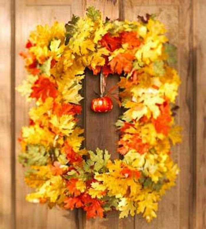 couronne-de-fleurs-decides-automne-comment-decorer-bricolage-halloween-pour-la-porte-d-entree
