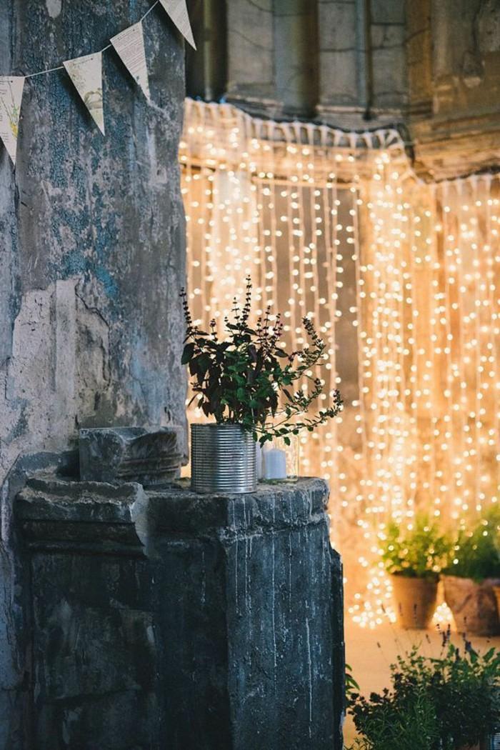 decoration-murale-exterieure-cloture-jardin-bois