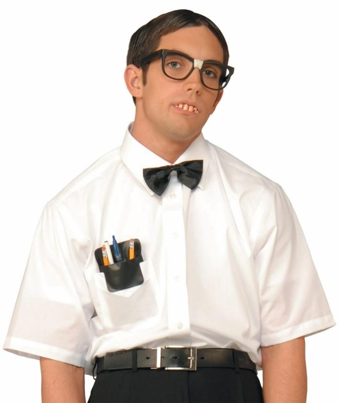 deguisement-halloween-facile-idee-geniale-homme-deguise-en-nerd