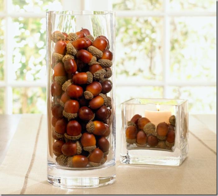 deco-halloween-avec-marrons-dans-une-vase-en-verre-bricolage-halloween