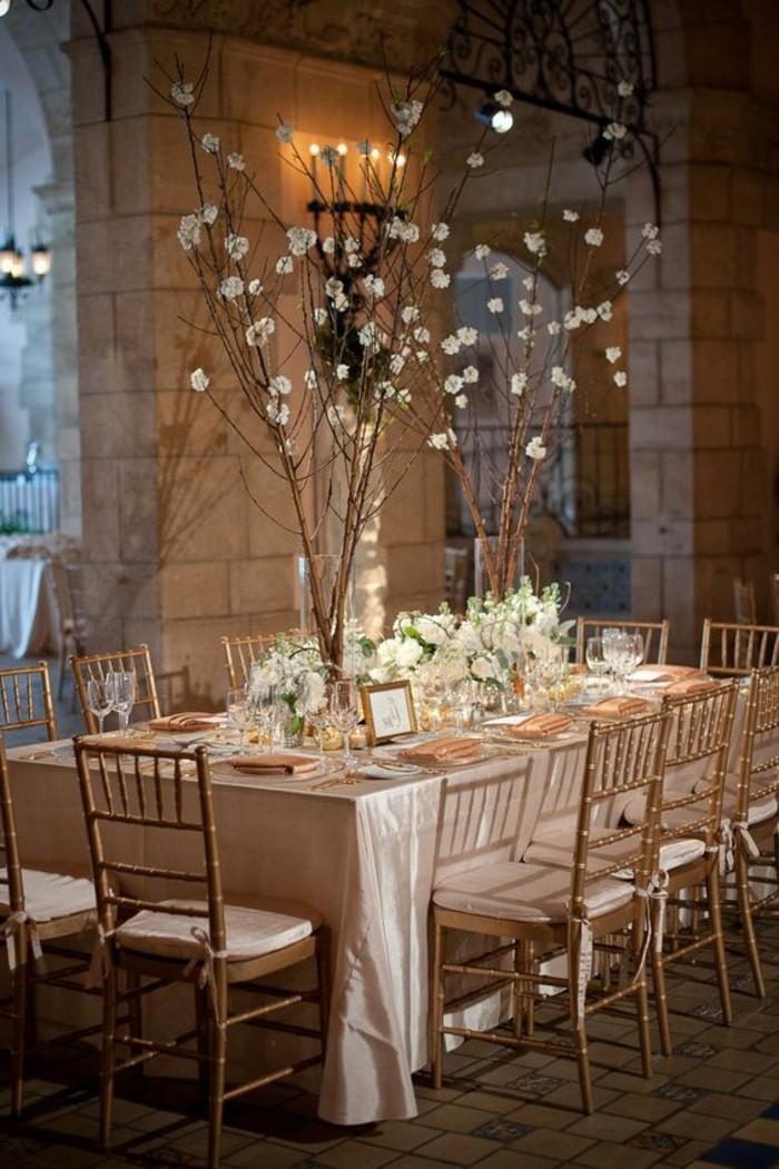 decoration-evenementielle-mariage-decoration-table-de-mariage-avec-des-branches-fleuris