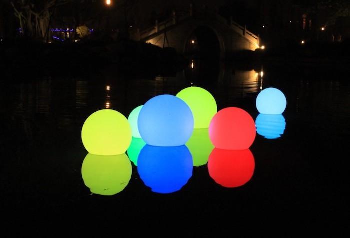 eclairage-piscine-boule-lumineuse-led