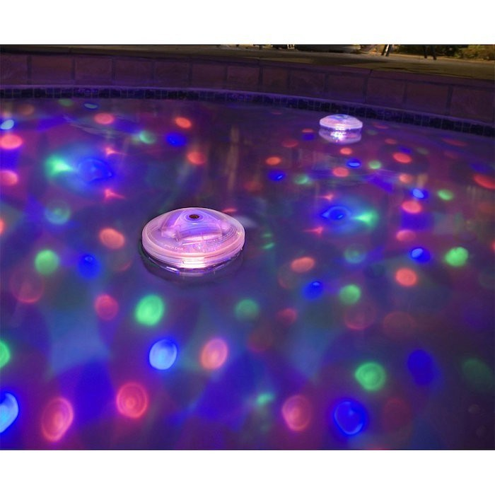 Clairage piscine 56 id es et conseils pour la sublimer - Spot piscine leroy merlin ...