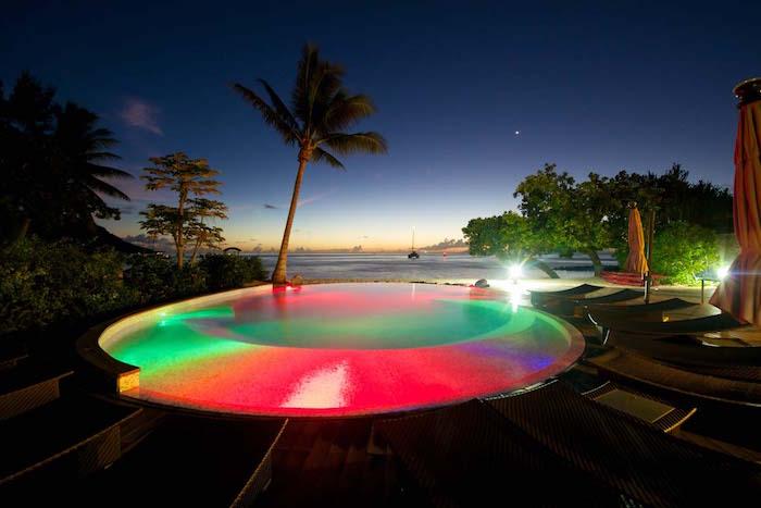 eclairage-piscine-nuit-art