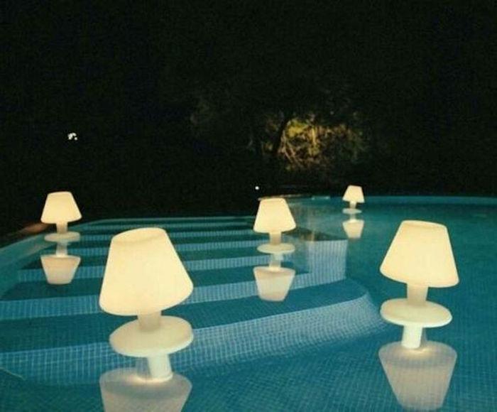 eclairage-piscine-spots-flottants