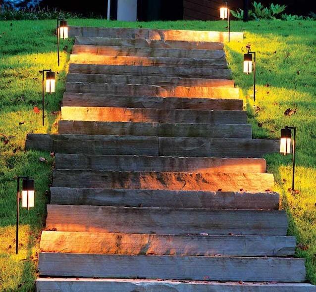 eclairage- sol-chemin-escalier-amenagement-jardin-décoration-exterieur
