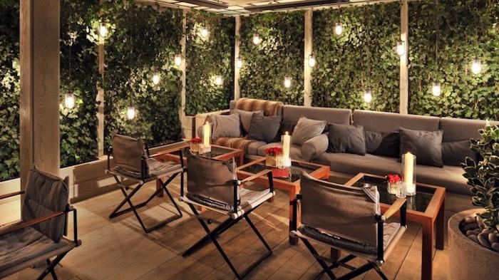 eclairage-terrasse-bois-lampions-suspendu