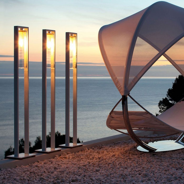 Lampadaire exterieur design 42 id es lumineuses for Led solaire terrasse