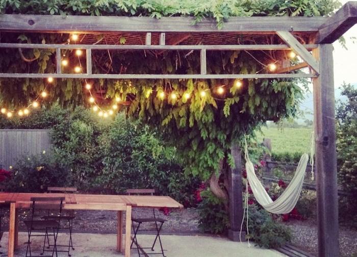 1001 id es clairage terrasse 60 id es et conseils for Luminaire exterieur guirlande