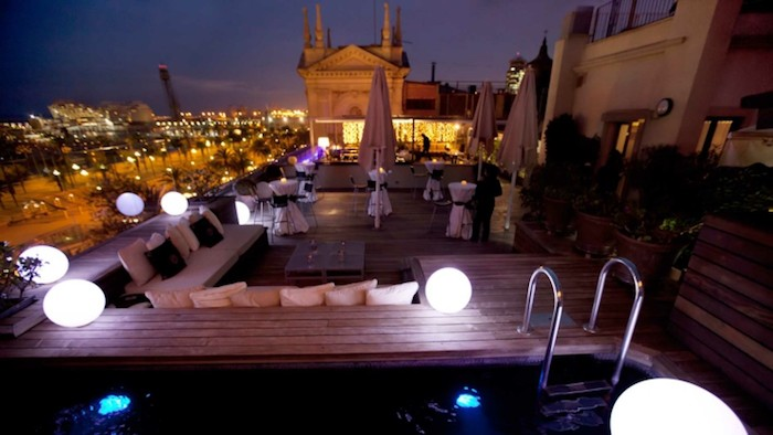 eclairage-terrasse-spot-applique-design