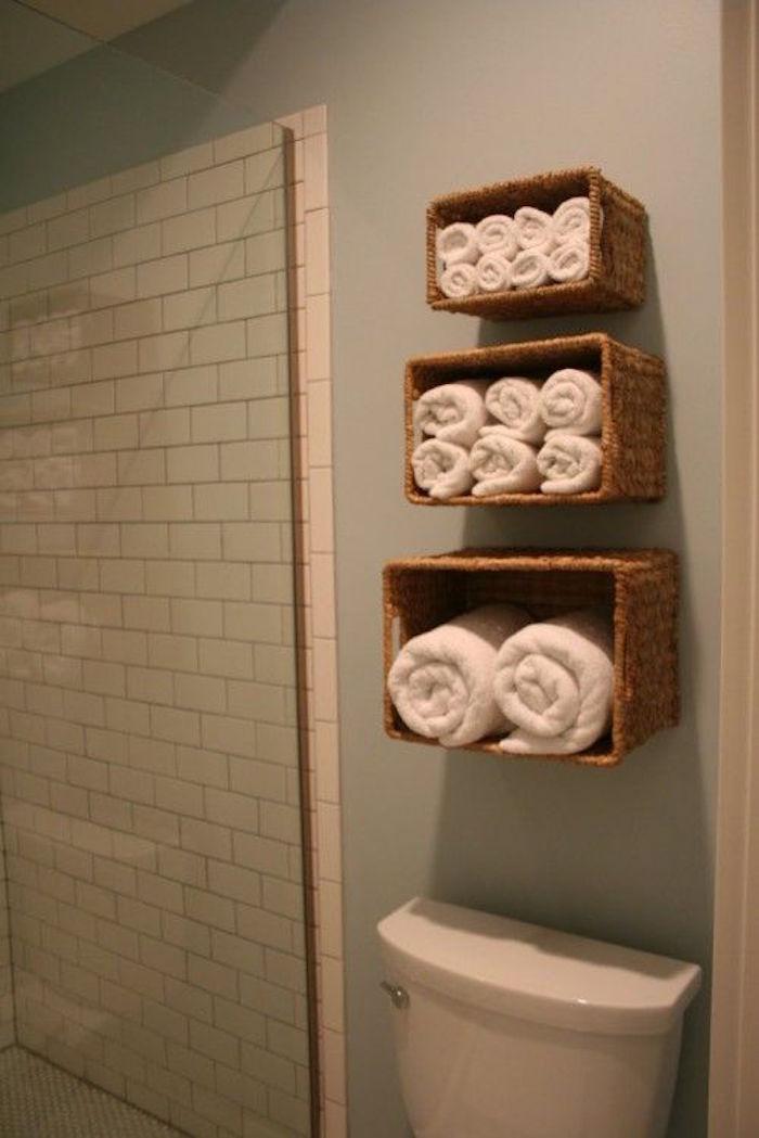 etagere-wc-meuble-toilette-etageres-de-wc-diy-rangement-salle-de-bain-panier-osier-toilettes