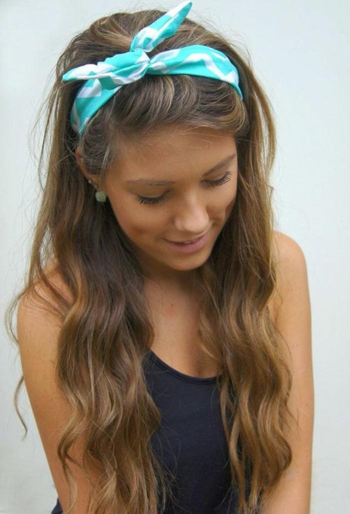 excellente-idee-coiffure-simple-et-rapide-avec-headband