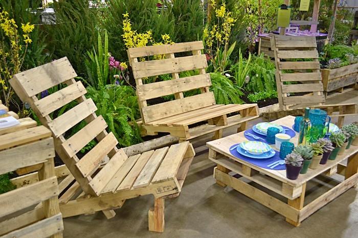 fabriquer-canape-palettes-salon-de-jardin-en-palette-table-chaises-design