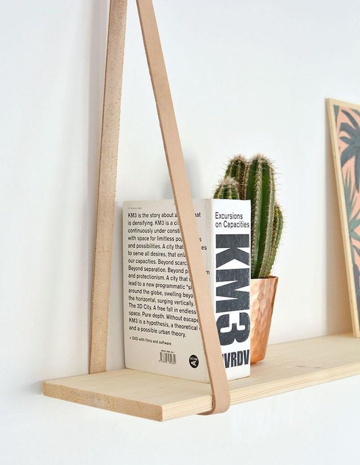 fabriquer-etagere-etagere-suspendue-meuble-suspendu-suspendre-planche-bois-cuir-lanniere-corde-tissu-idee-deco-diy