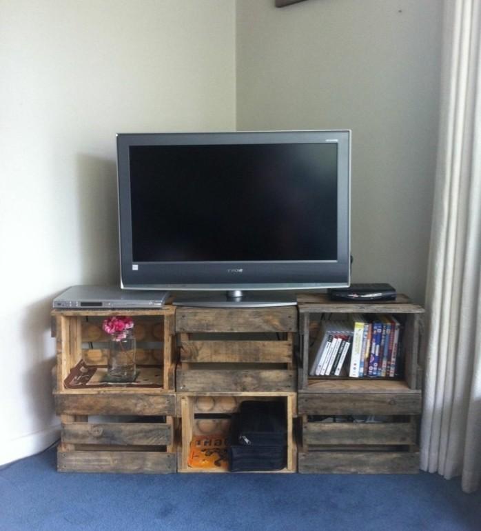 fabriquer-meuble-tv-idee-geniale-meuble-facon-use