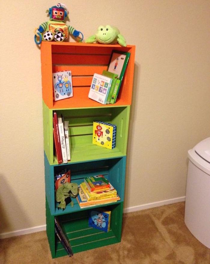 fabriquer-une-caisse-en-bois-deco-bibliotheque-enfant-pas-cher-meuble-etagere-vieille-caissette-pomme-boite-vin-ancienne-caisses
