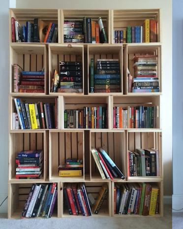 fabriquer-une-caisse-en-bois-deco-pas-cher-meuble-etagere-vieille-caissette-pomme-boite-vin-ancienne-idee-decoration-diy-bibliotheque