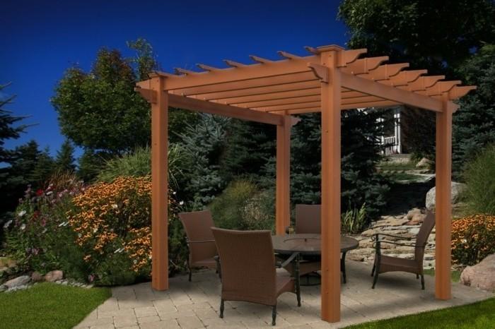 fabriquer-une-pergola-bois-meubles-marron-modele-pergola-tres-esthetique-installe-dans-un-jardin