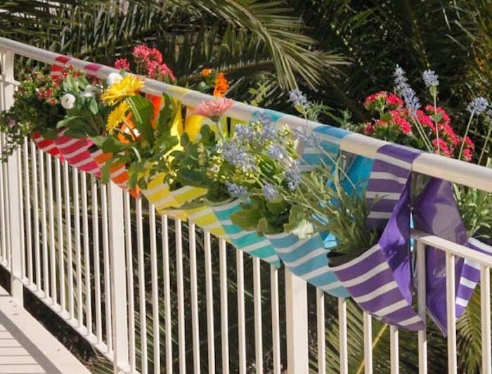 flora-pockets-jardiniere-balcon-jardiniere-plastique-original-design-balconniere