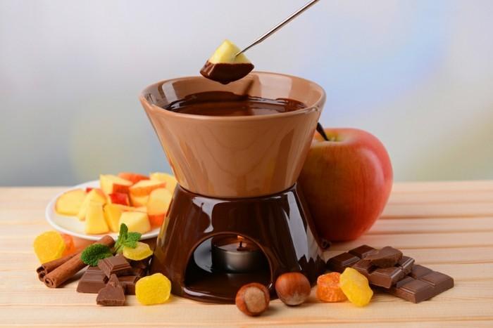 fondue-pour-saint-valentine-chocolat-et-fruits