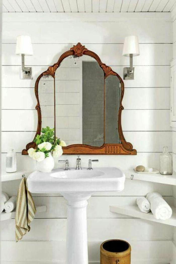 grand-miroir-ancien-carrelage-blanc-vasque-blanche