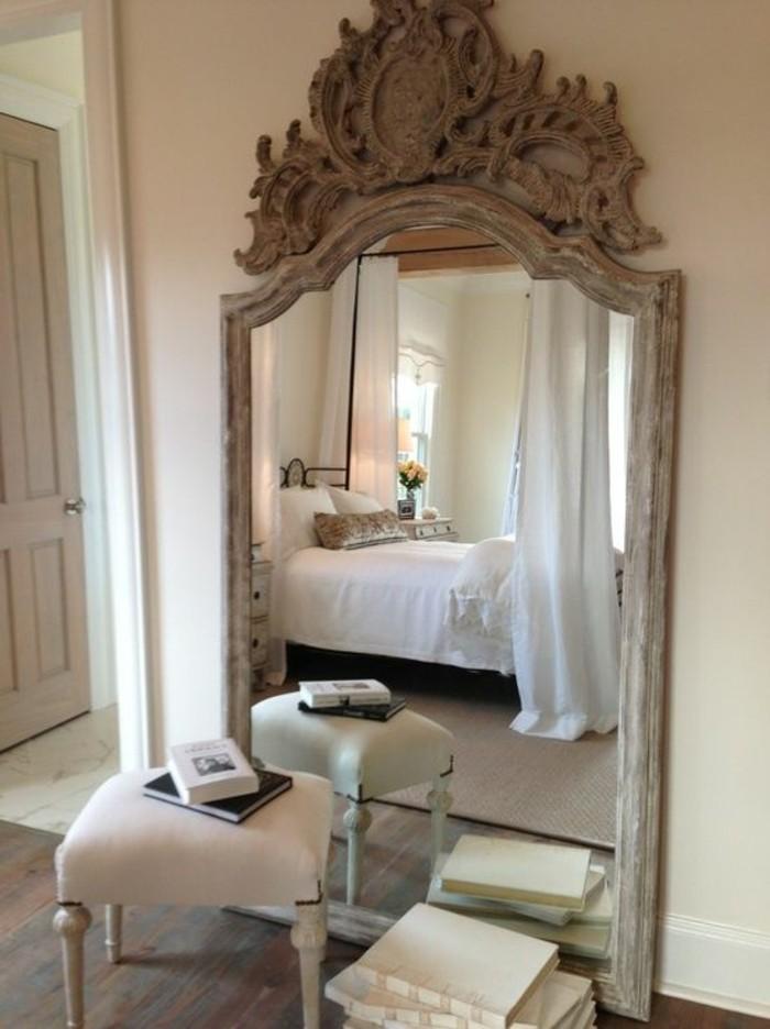Comment d corer avec le grand miroir ancien id es en for Miroir dans chambre