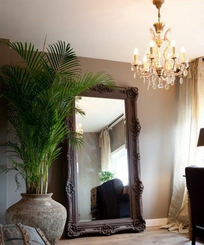 grand-miroir-ancien-grande-vase-et-plafonnier