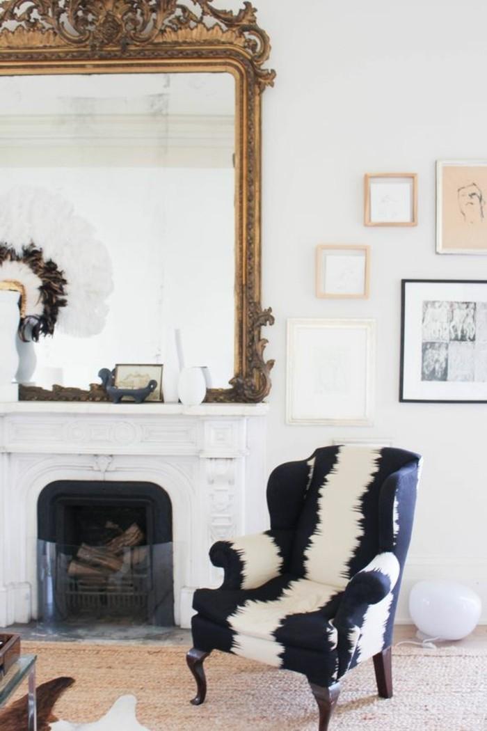 grand-miroir-ancien-idee-deco-originale-chaise-peau-de-vache
