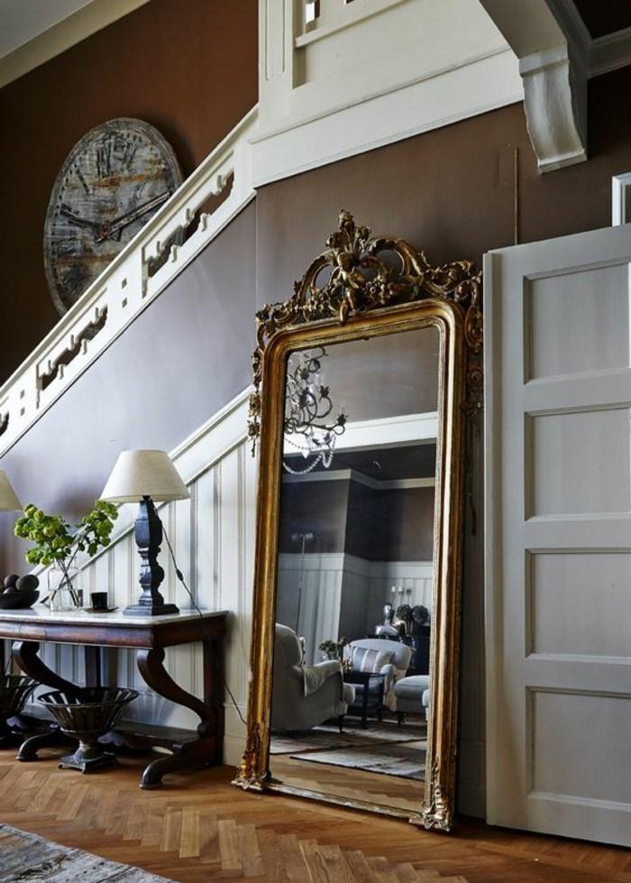 Comment d corer avec le grand miroir ancien id es en photos for Miroir dans la chambre