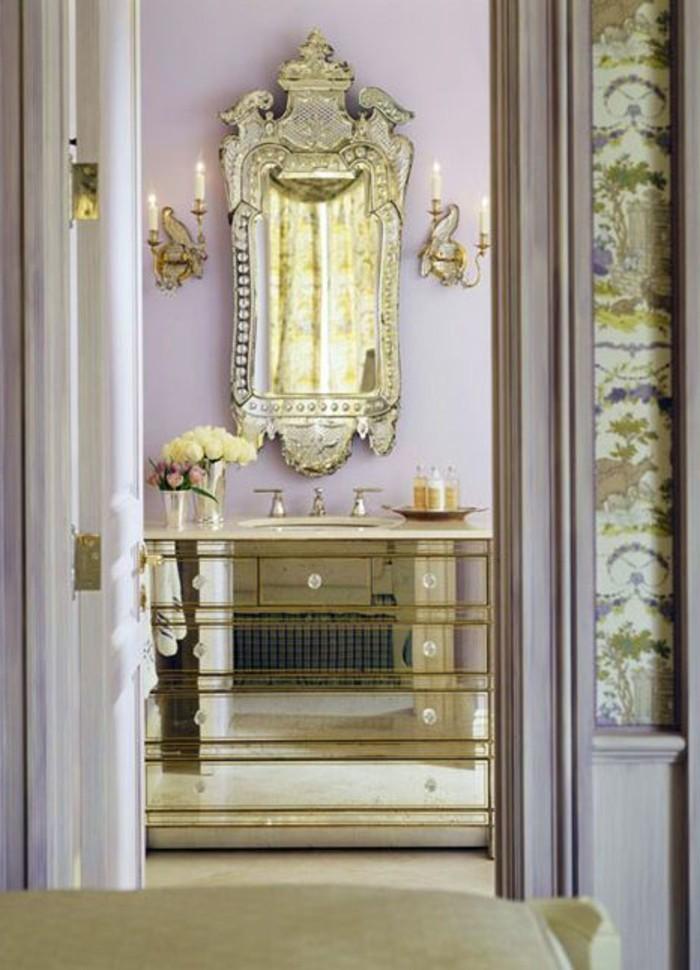 Comment d corer avec le grand miroir ancien id es en photos - Grand meuble salle de bain ...