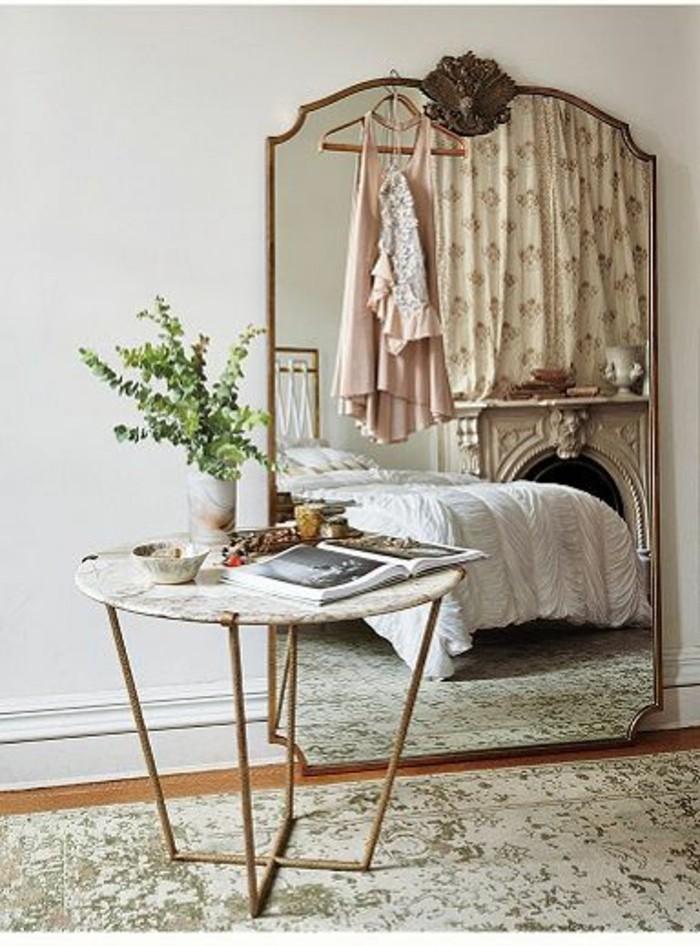 grand-miroir-ancien-table-metal-et-plateau-blanc