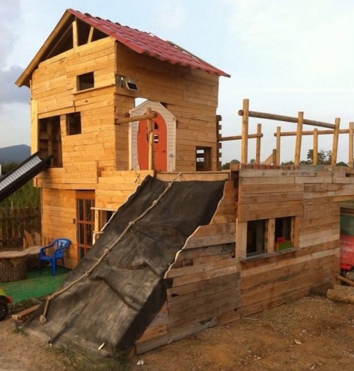 grande-cabane-jardin-chateau-enfant-maisonnette-en-bois-enfant