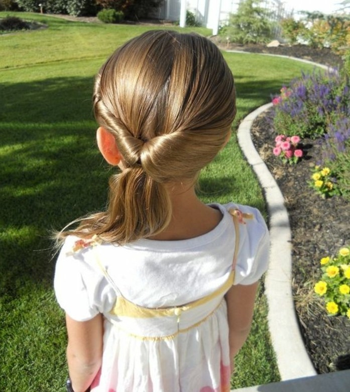 idee-geniale-coiffure-bapteme-coiffure-petite-fille-mariage-suggestion-esthetique-et-originale