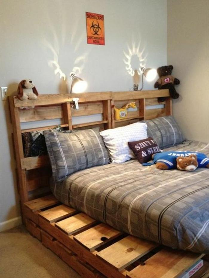 idee-geniale-comment-faire-un-lit-en-palette-suggestion-amenagement-chambre-enfant